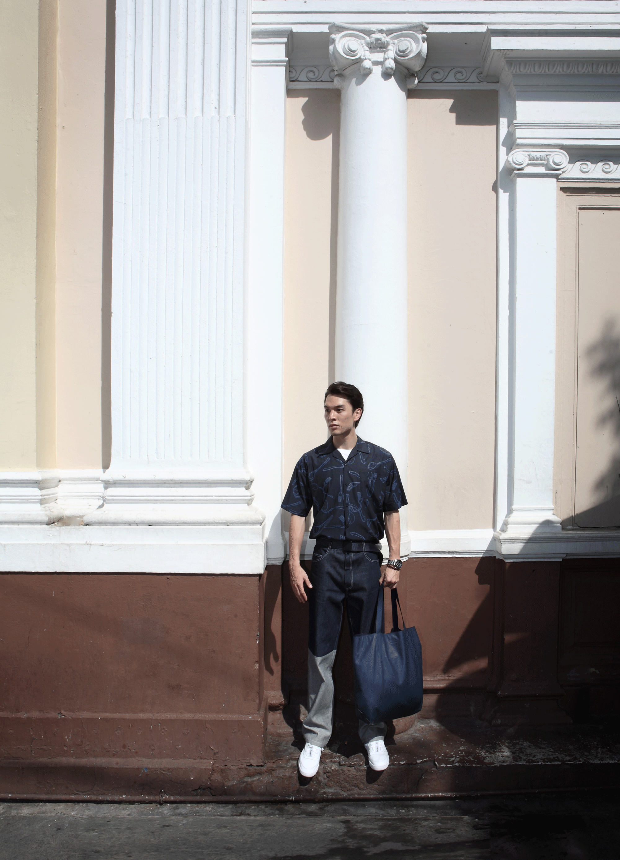 clothes : Everyday Karmakamet / bag : CONTAINER