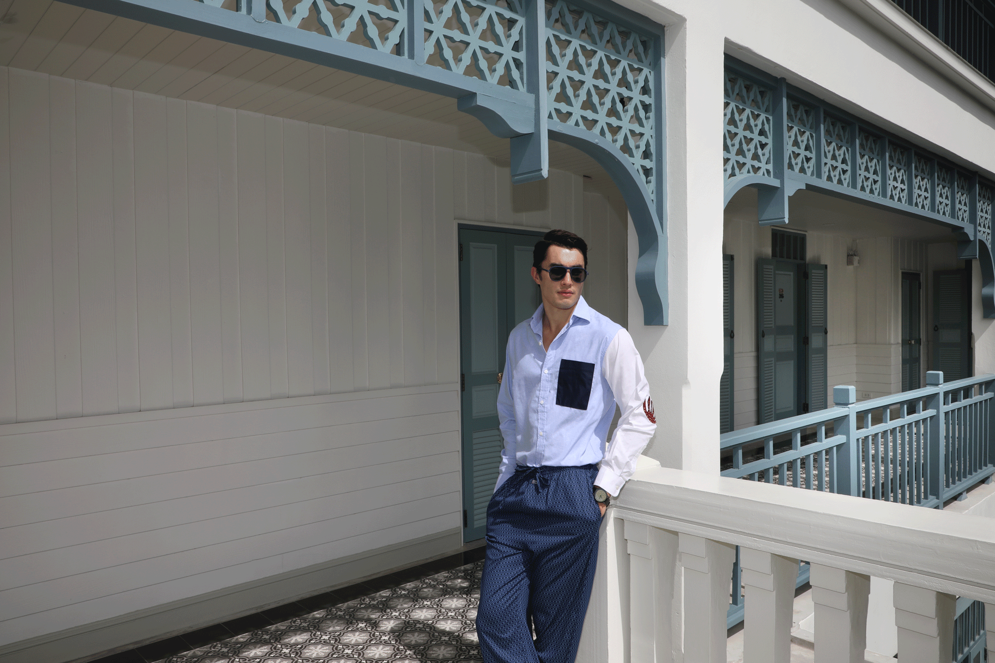 shirt : Leisure Projects / pyjama pants : JOCKEY / sunglasses : IZIPIZI / watch : FORREST