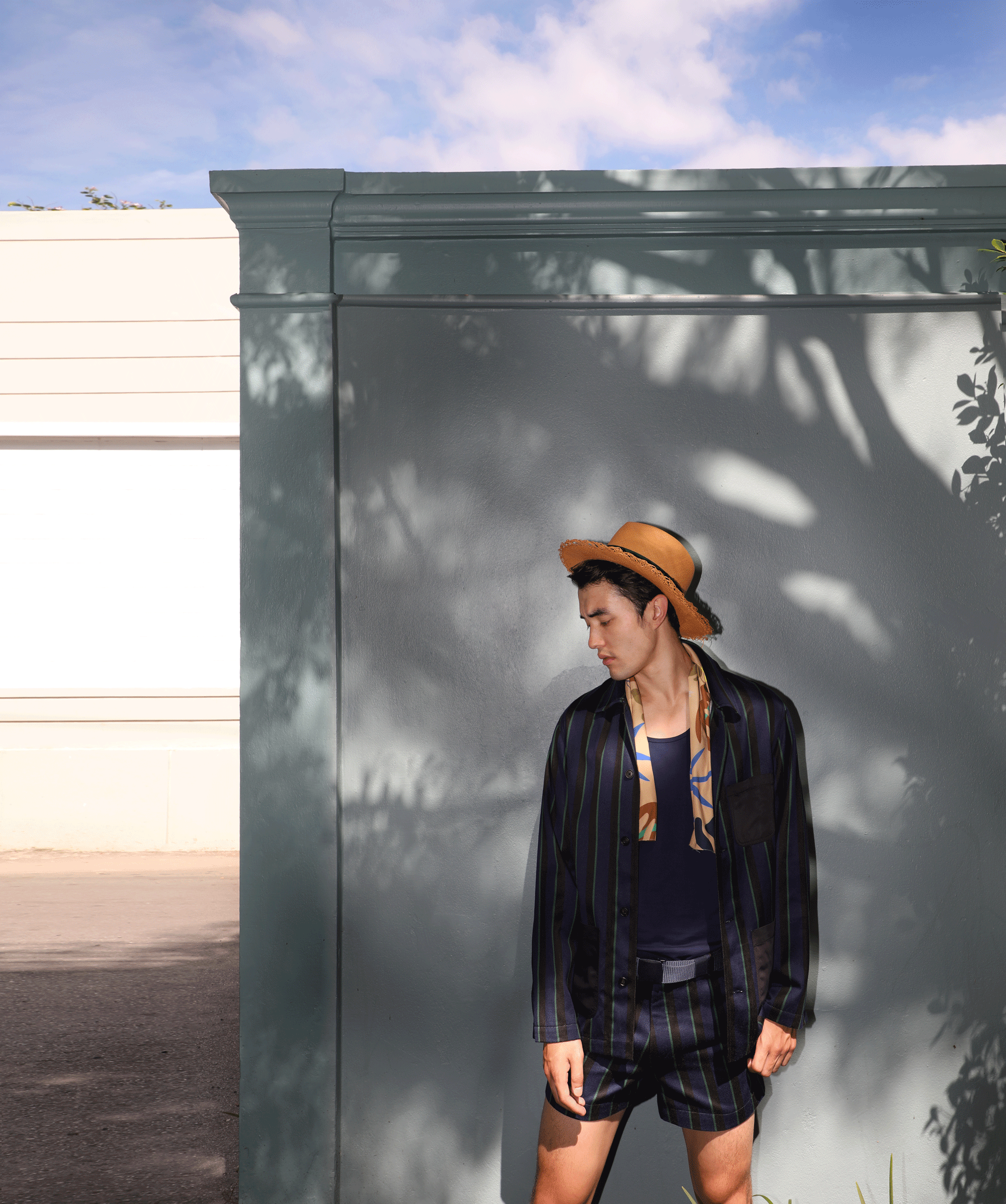 jacket, shorts and scarf : Leisure Projects / tank top : JOCKEY / hat : Famosa Andina