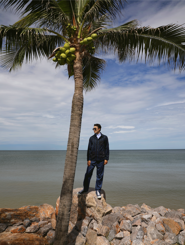 shirt and jacket : Leisure Projects / pyjama pants : JOCKEY / sunglasses : IZIPIZI