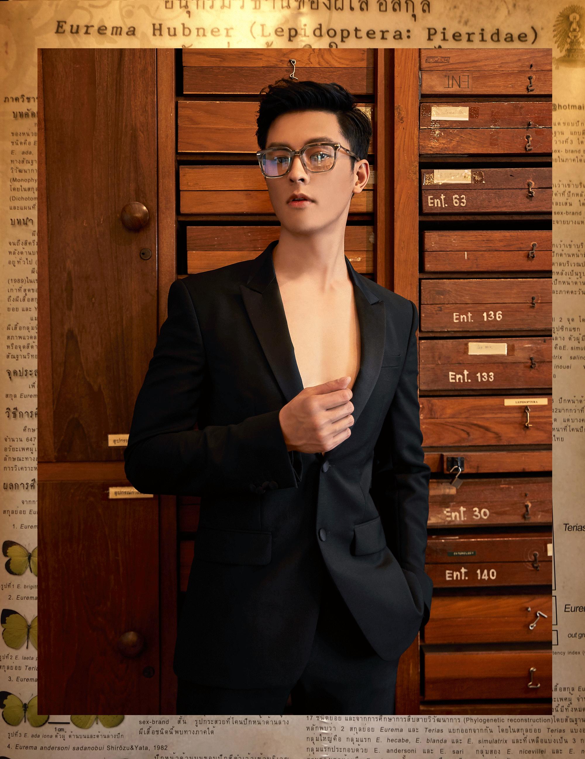 clothes : GIVENCHY / eyeglasses : Blake Kuwahara