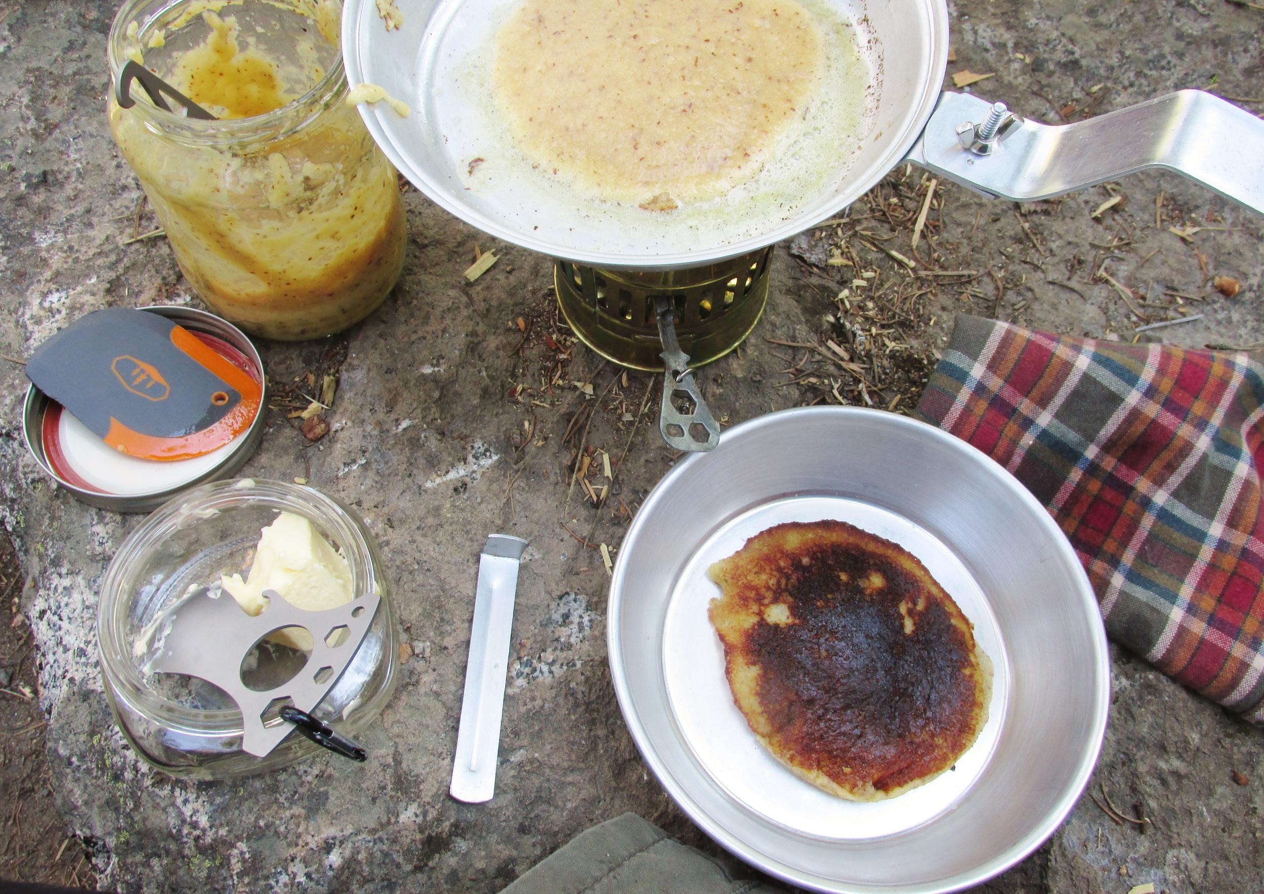 paleo camping pancakes   seekthewelfare