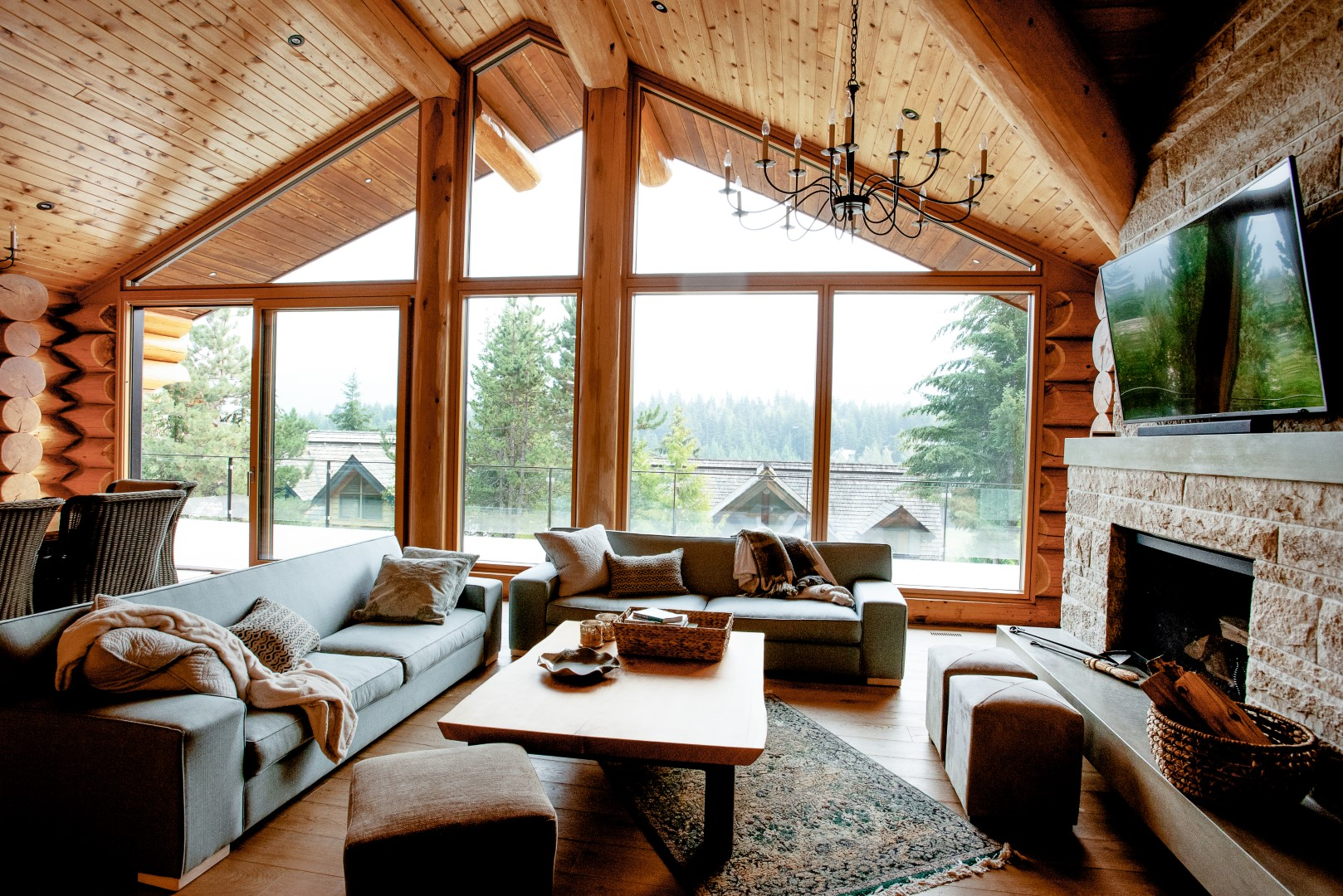 TM Design | Studio - Mountain Log Home