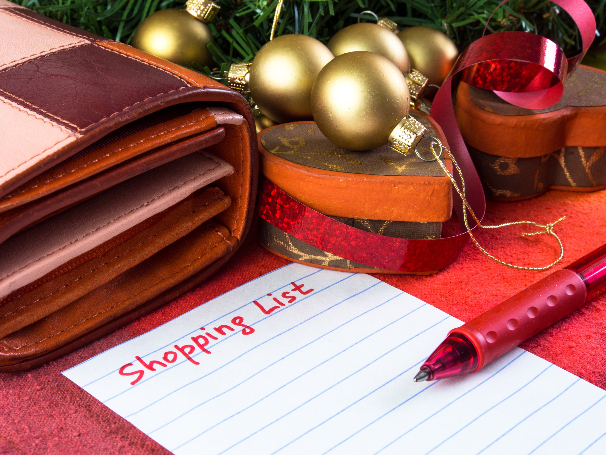 A BLENDED FAMILY GIFT PLAN IS NEEDED - It Makes No Difference if it's your 1st or 25th Christmas together, a plan for Christmas shopping is always needed for your blended family.