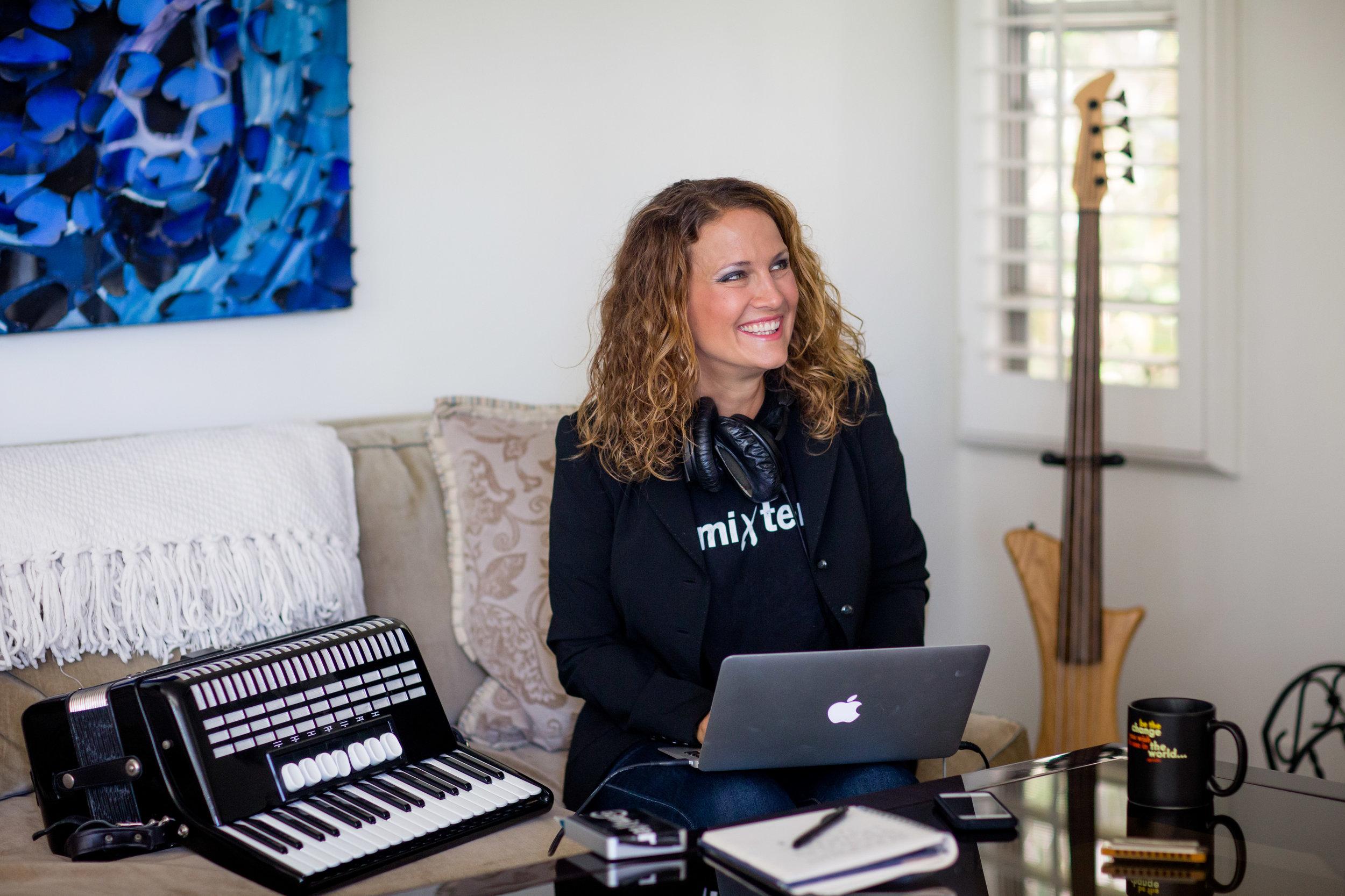 ccMixter - entrepreneur — supporting musicians worldwide.