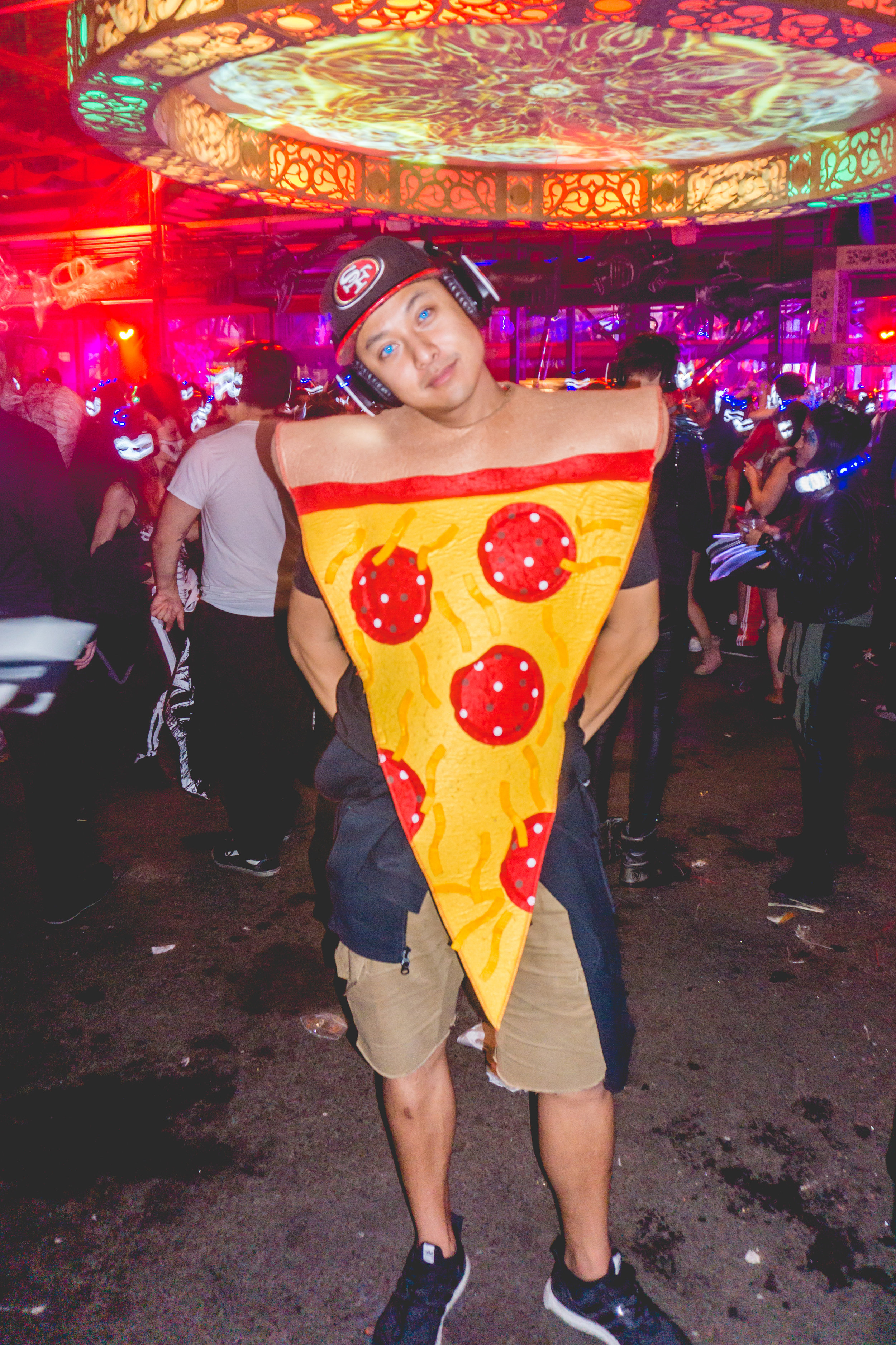 I wish I hadn't worn my alpha costume the day before, but Pizza will always be my Beta Costume. Everyone will always want a pizza dis!