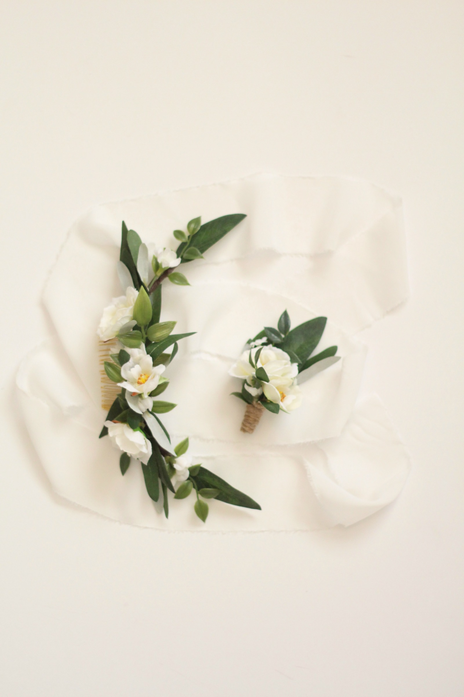 The Ester Comb  with coordinating custom boutonniere.