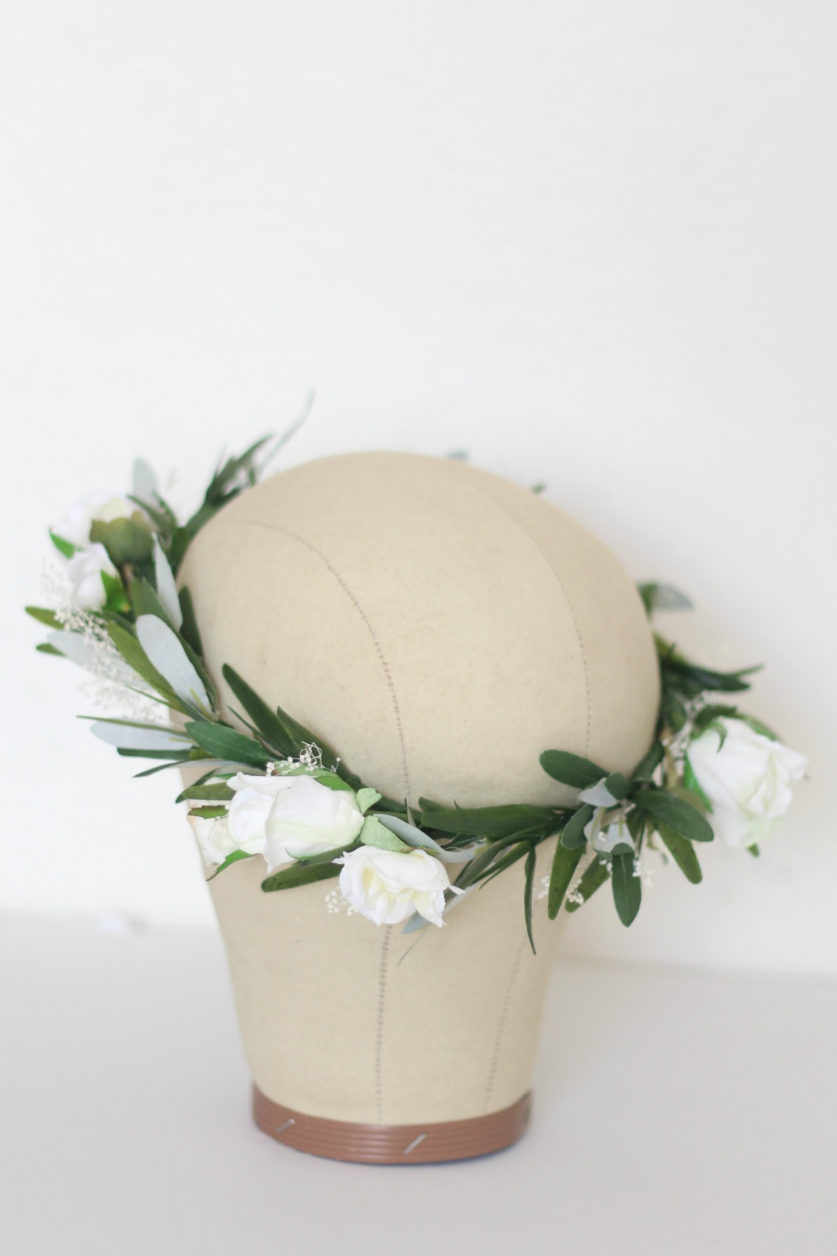 Custom crown of greenery, babies breath and collection of white and cream rose buds throughout. I can't wait to share thisgorgeous bride's wedding day! Her photos have come to my inbox!!