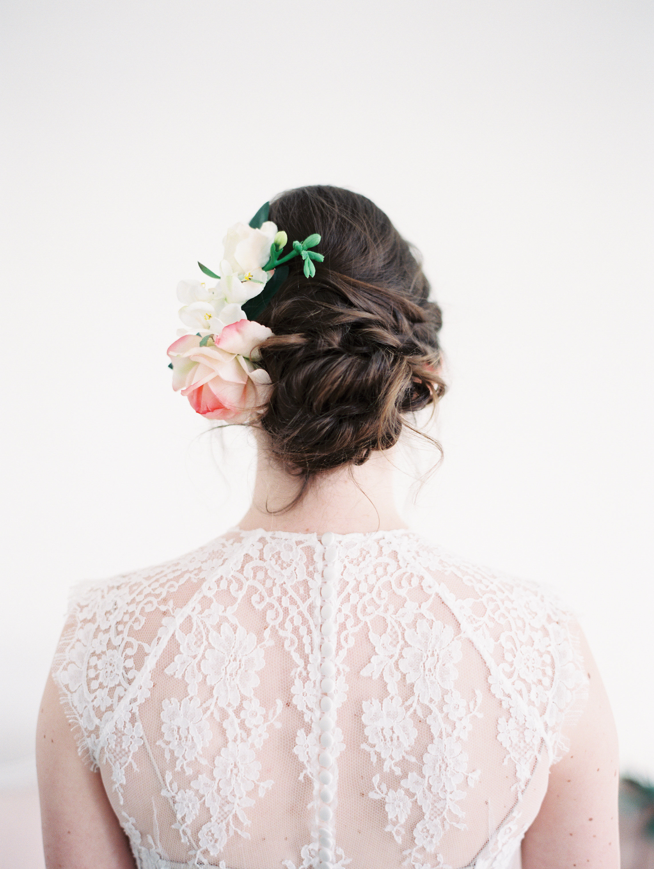 bridal-flower-comb-bridal-hairstyle-updo