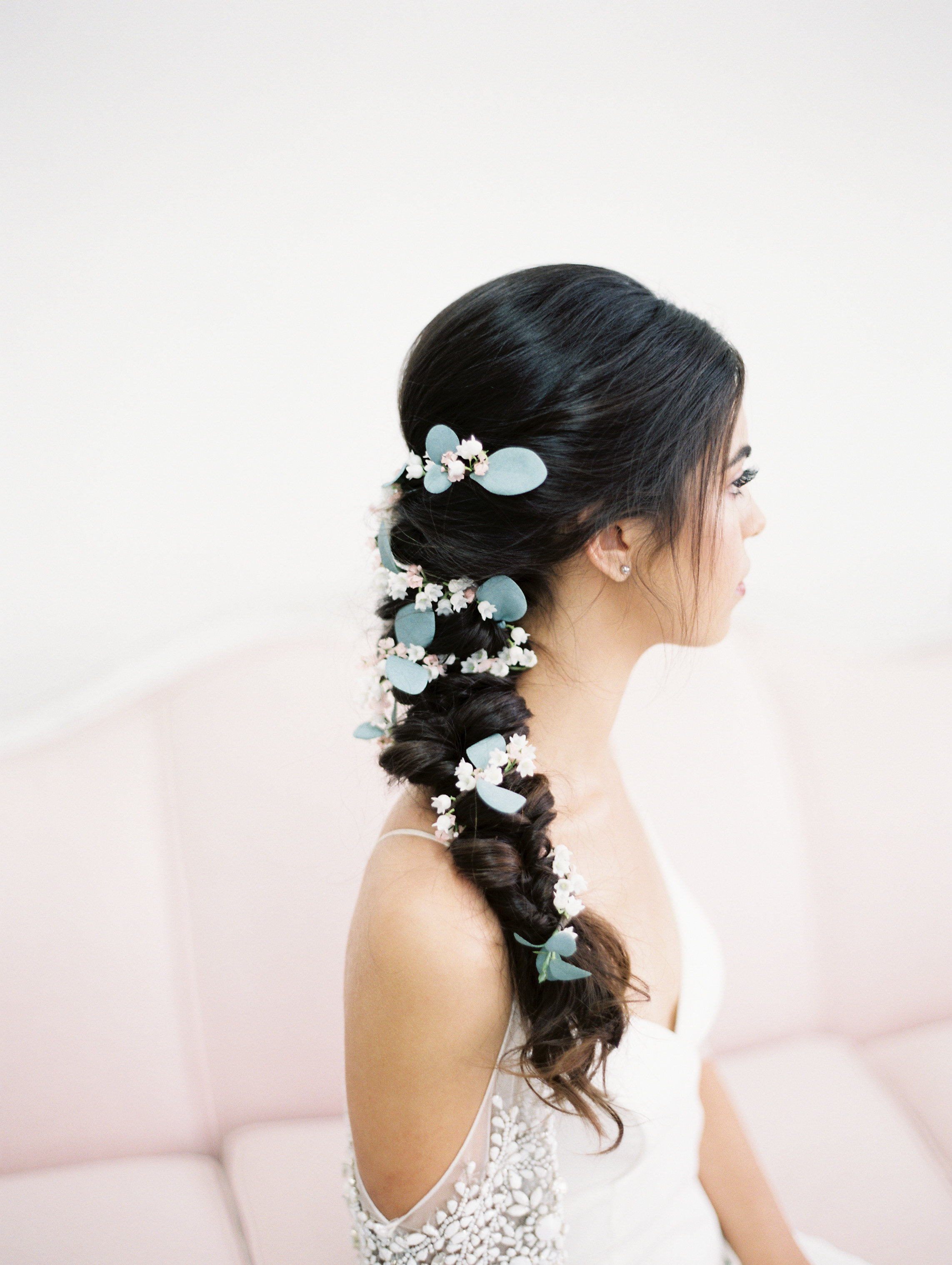 flower-garland-braided-bridal-hairstyle-boho-bride