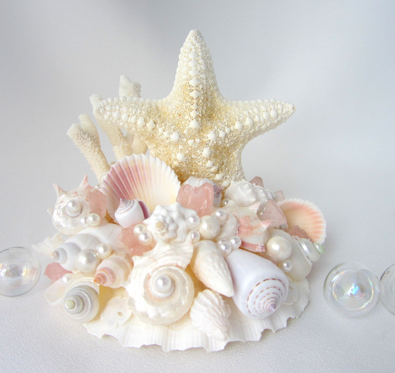 12 coastal wedding ideas sea shell wedding cake topper