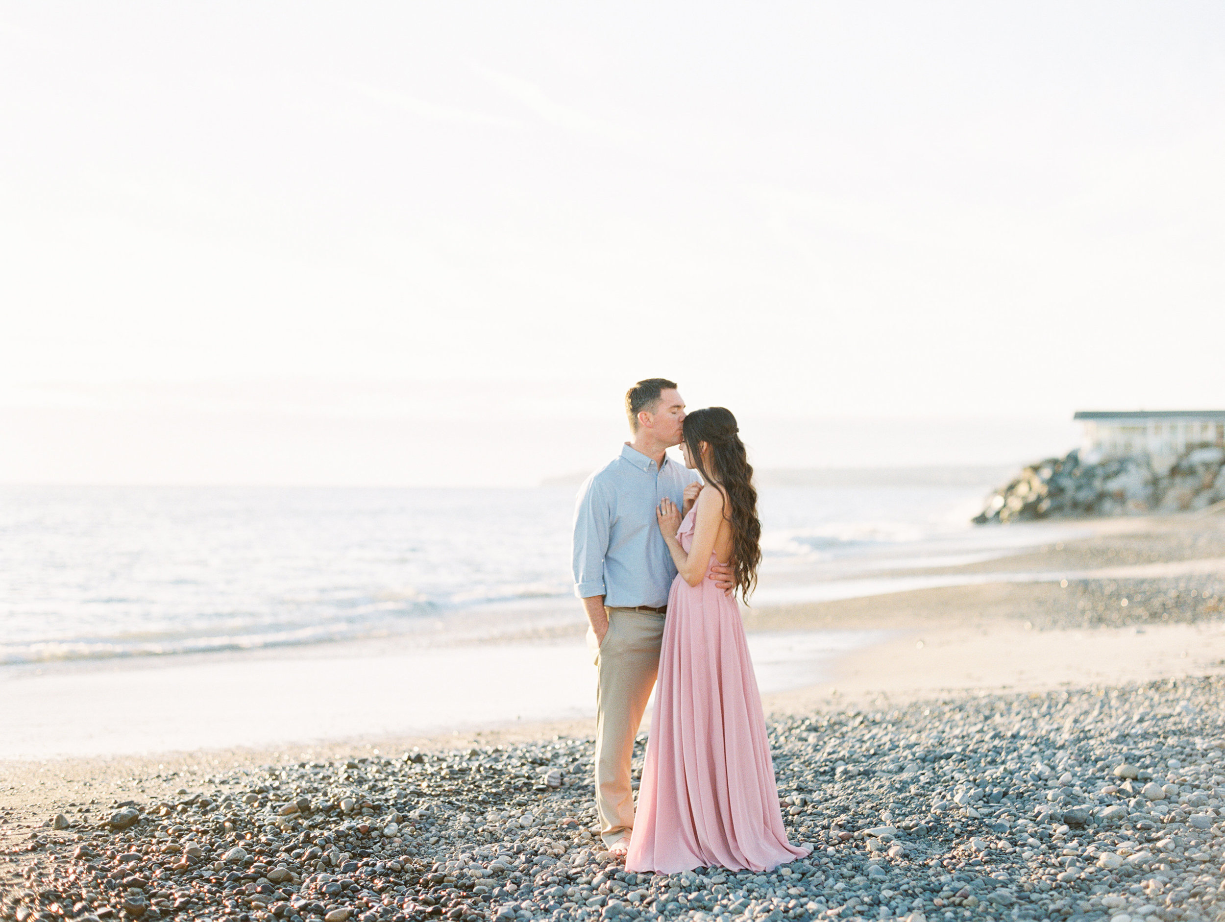 marriage and engagement photo session style on the Love Sparkle Pretty blog. Photo by Mallory Dawn
