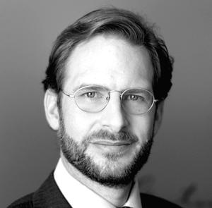 Michael Blin   Michael ist Banker bei einer österreichischen Privatbank. Er ist seit einigen Jahren ehren- amtlicher Mitarbeiter im Johanniter Orden. Er ist Ansprechpartner für rechtliche Angelegenheiten und vertritt Help2day bei seinen zahlreichen Kontakten in der Finanzwelt und anderen karitativ tätigen Organisationen.