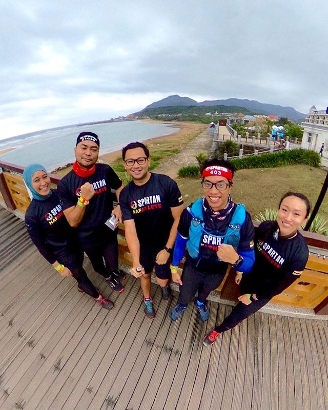 #SpartanRace weekend. You know you're in the right race when hospital CEO @khalidasari is also in it 🤣 . #SpartanRaceTW #Taiwan #Taipei #SpartanRace #TeamBrunei #HAFathlete