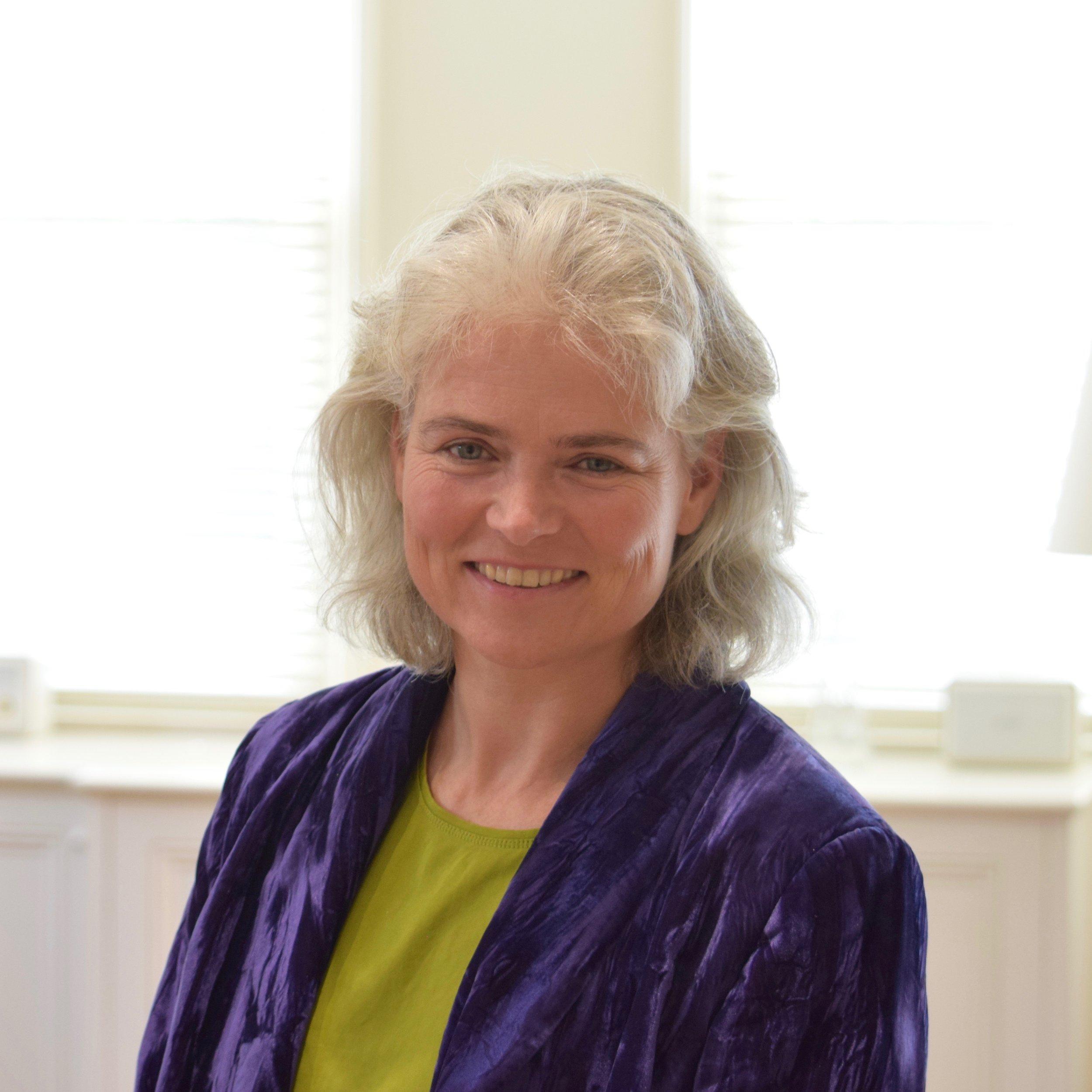 Lisa Vos - Associate