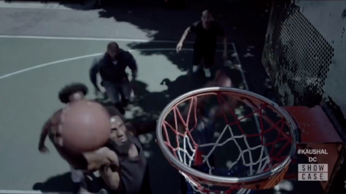 Slam dunk (01:44)