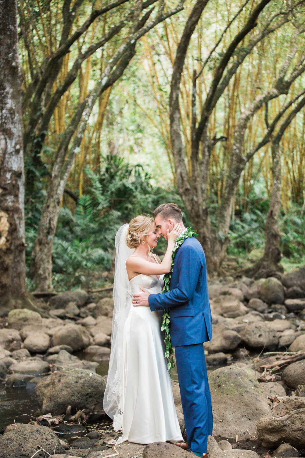 Colorful Waimea Valley- Roam Rentals Hawaii  http://roamrentalshawaii.squarespace.com/blog/2018/8/13/colorful-waimea-valley-wedding