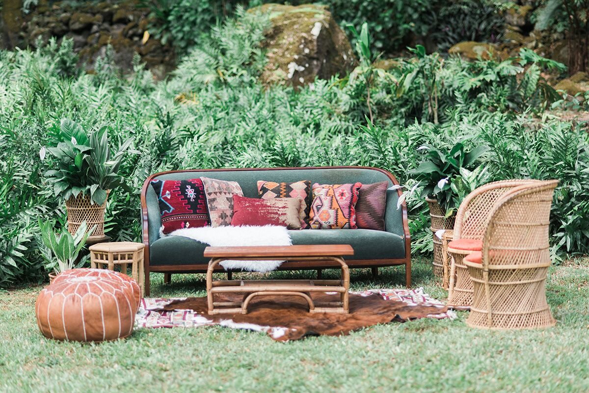 Lounge  Seating ,  Textiles , &  Tables   Photo Courtesy of  Rae Marshall