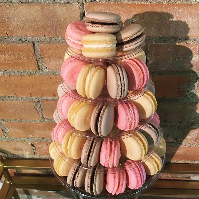 Happy 100th Day of 2017!! We cannot believe how quickly time is flying by. Check out the latest tower we did for a special couple #macaronmonday #frenchmacarons #dallasbaker #dallasevents #dallasweddings