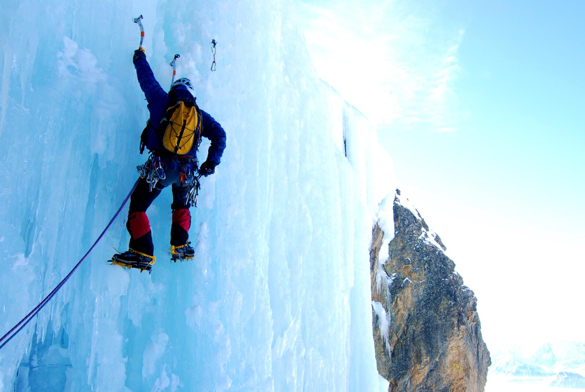 Ice_climbing_-_Symphonie_d'automne.jpg