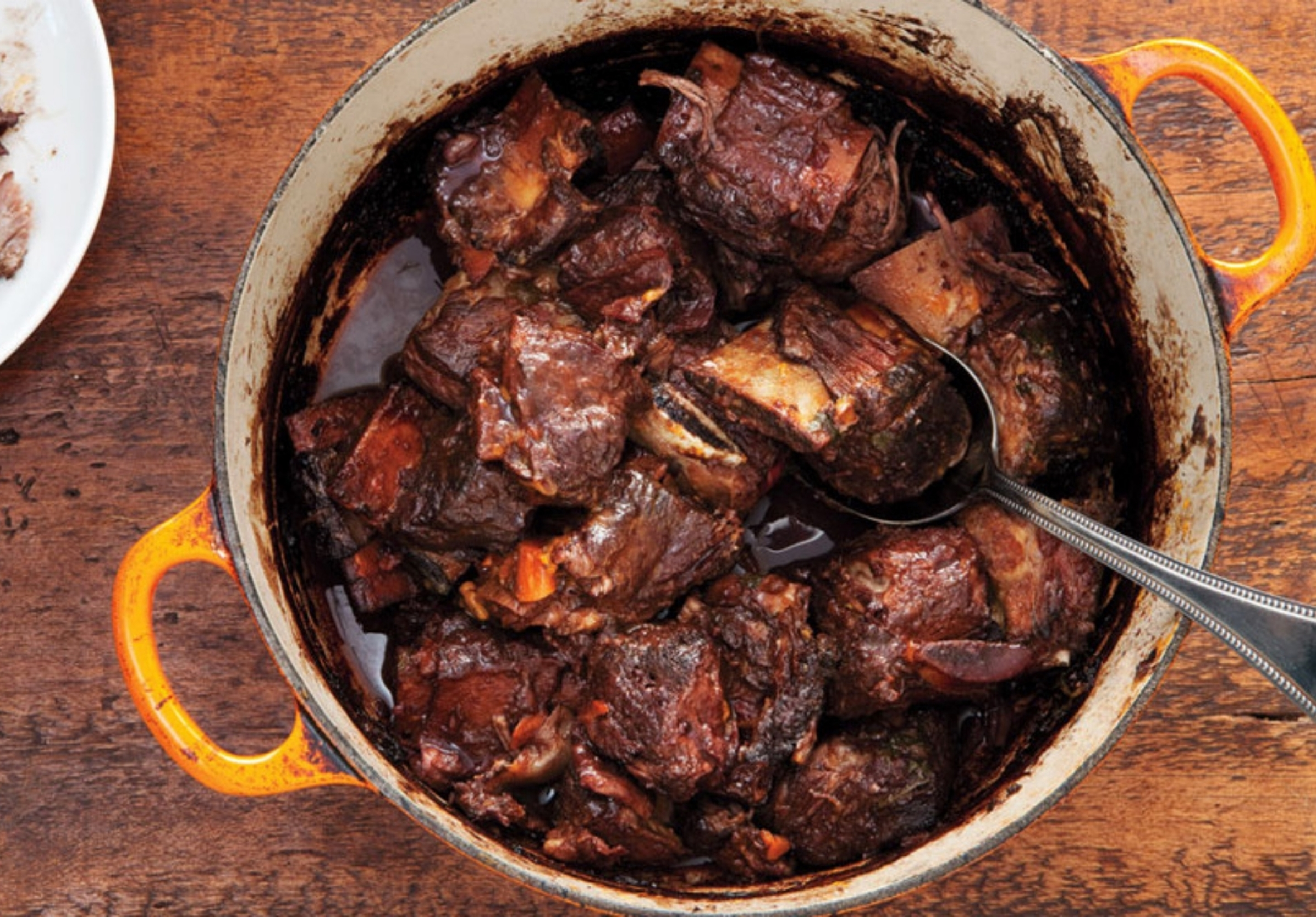 red-wine-braised-short-ribs-940x560.jpg