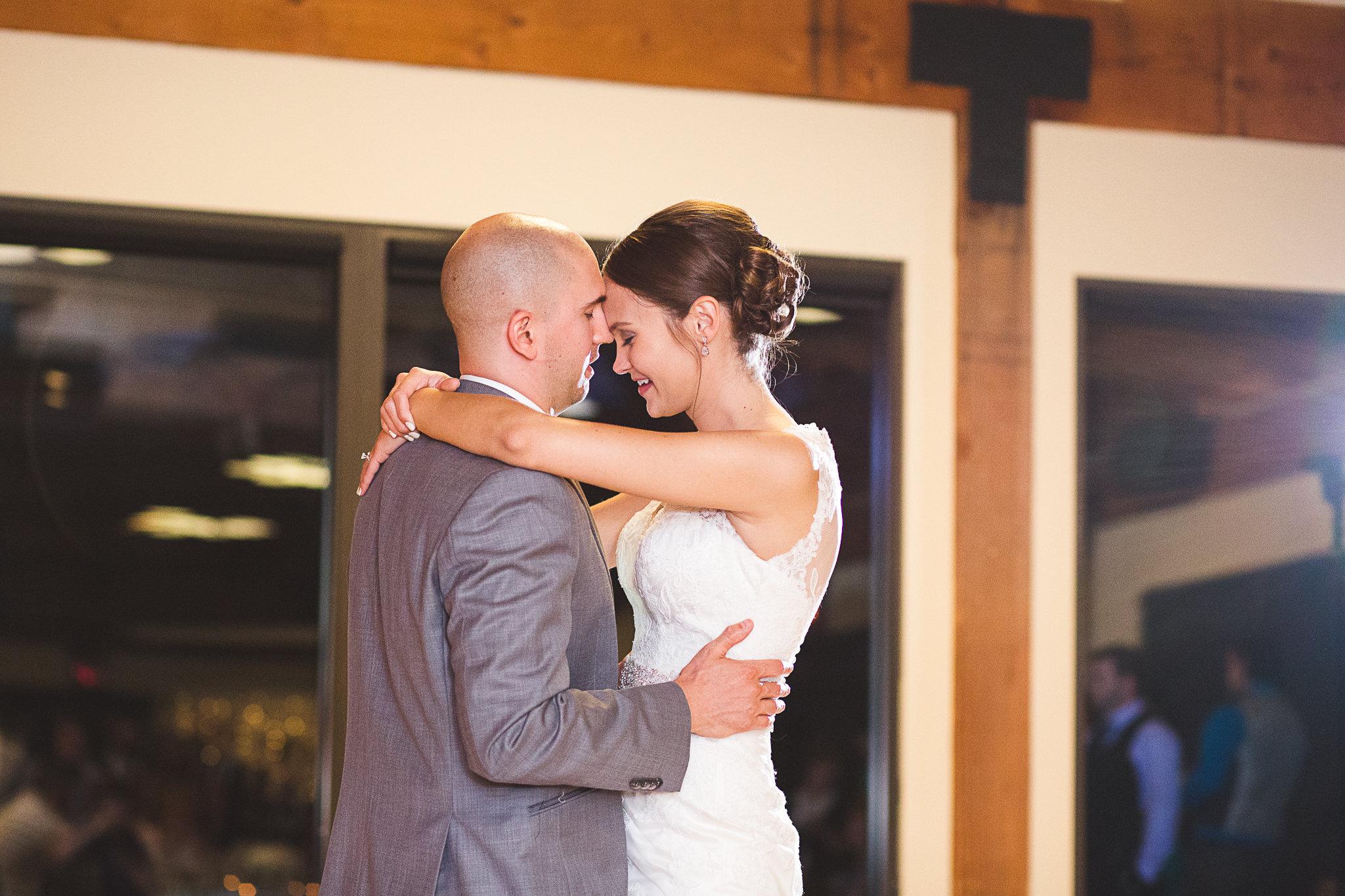 Gossard Wedding-Photographers Favorites-0116.jpg