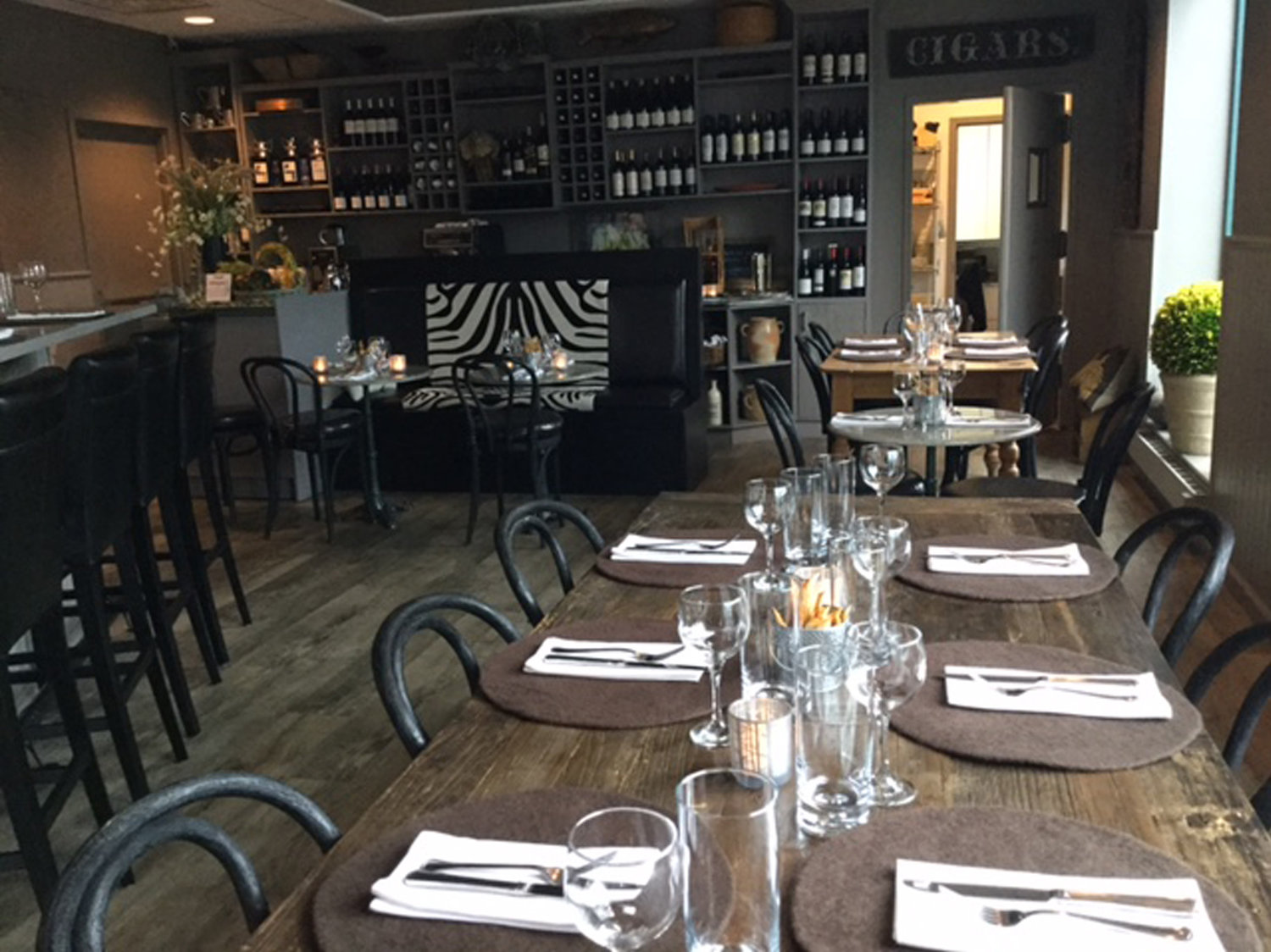 Bar Le French Flair le moulin eatery & wine bar - best french restaurant in yonkers