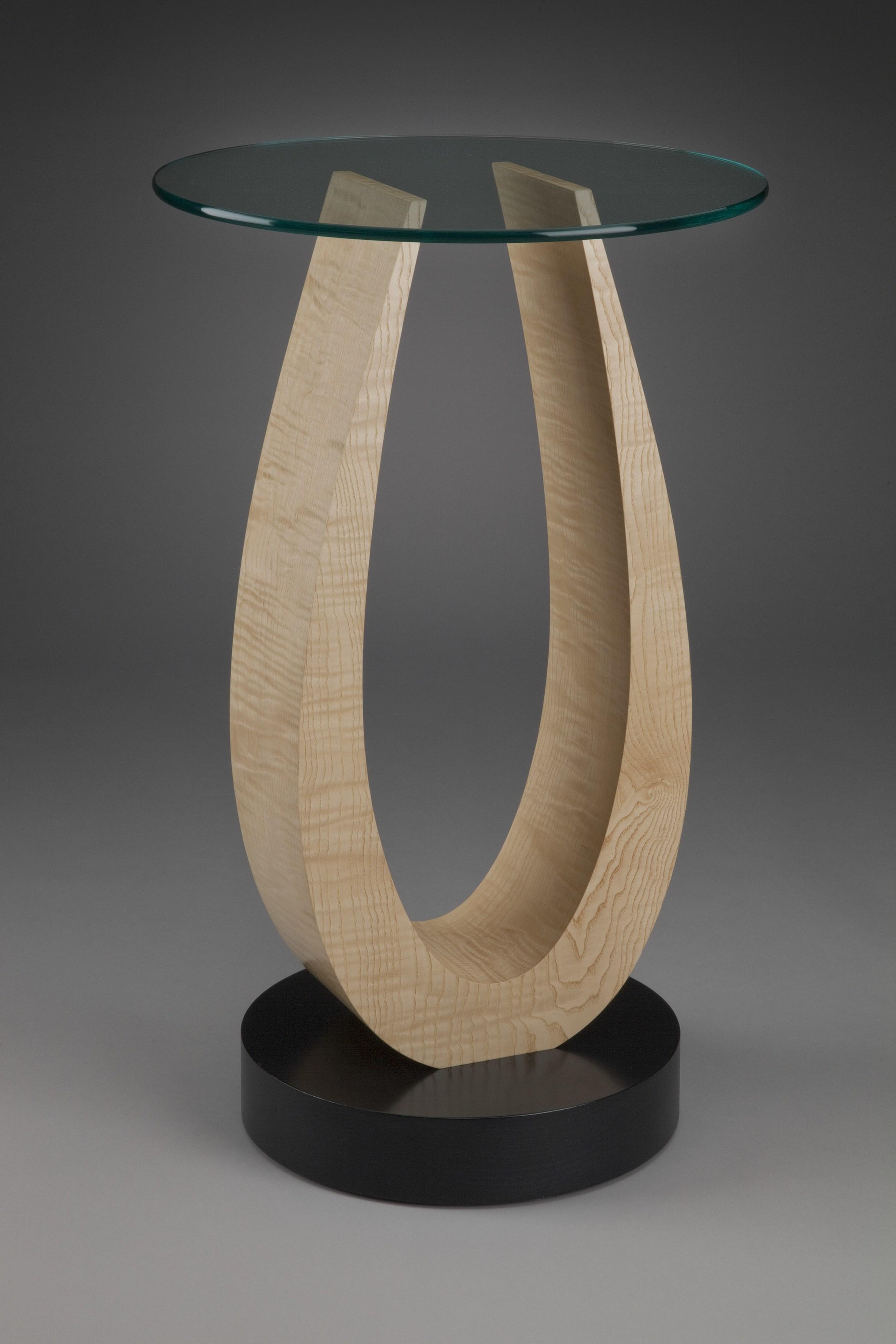 Tong Pedestal