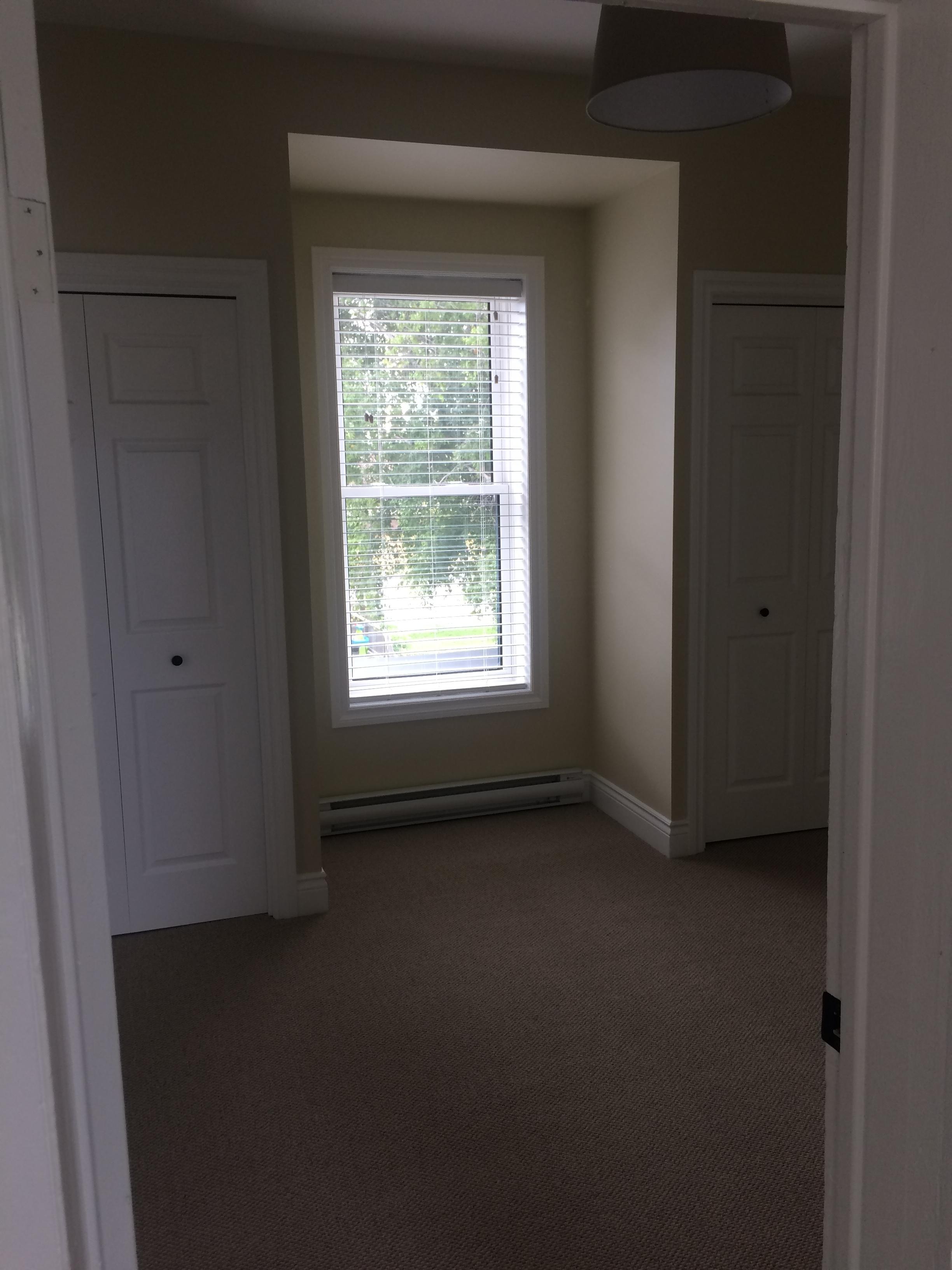 Bedroom Apt 4.jpg