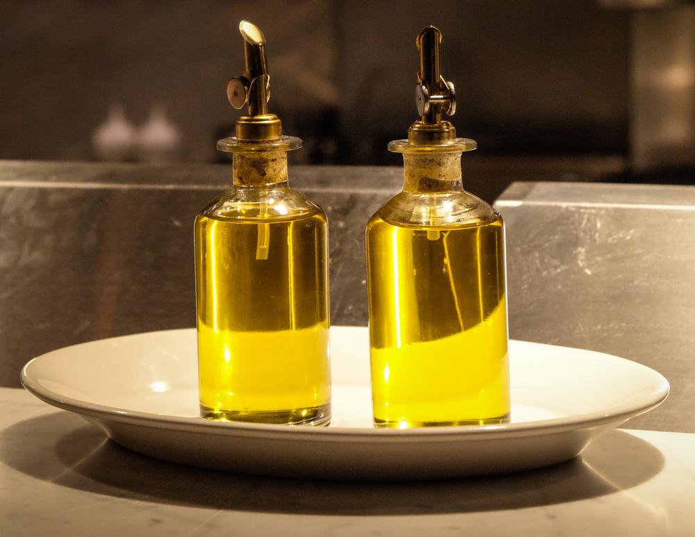 olive oil plates.jpg