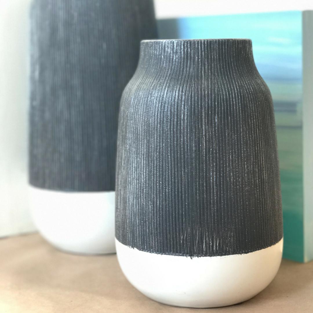 Textured vases.  | fionadebell.com