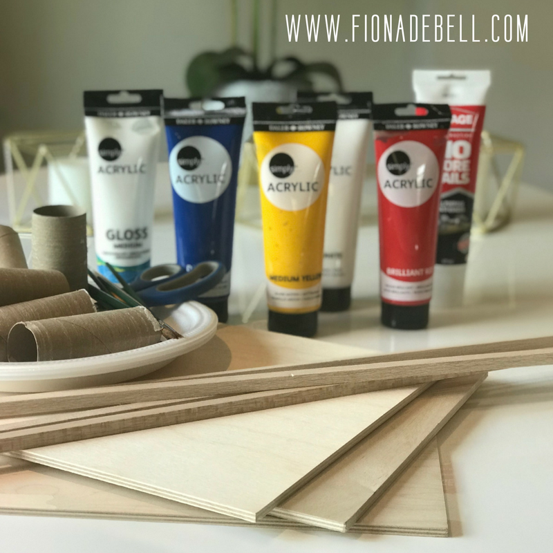 All the supplies you need for a glitter art project. | fionadebell.com