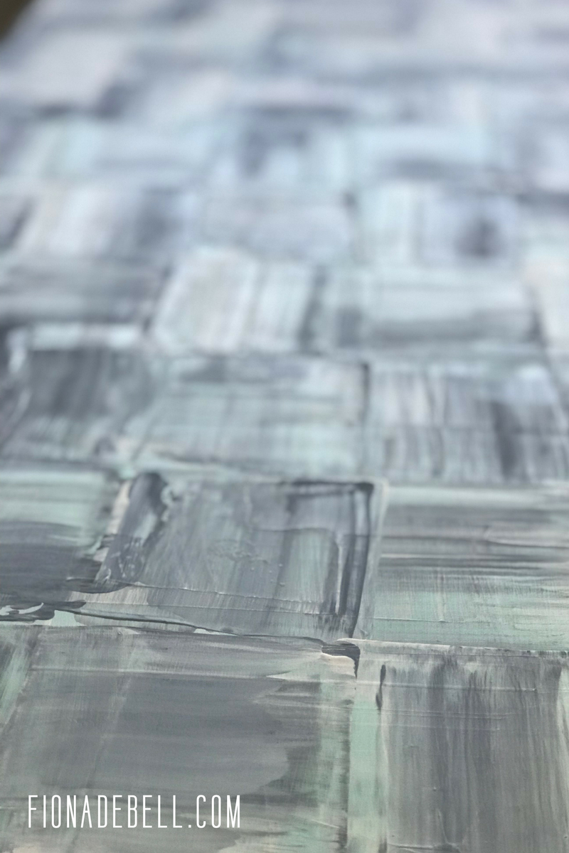 A close up of the texture I created on the table using 3 paint colours. | fionadebell.com