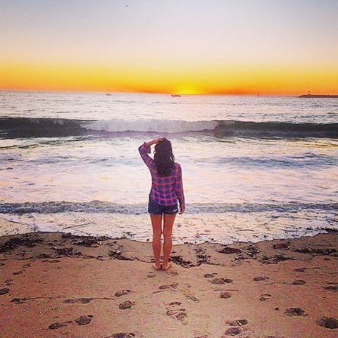 He followed my footsteps to the sea 🌊  #wasteddream #cousintheband #newmusic #lyrics  #duo #rocknroll  #singersongwriter  #unsigned #artist #musiclife #ocean #beach #waves #sunset #girl