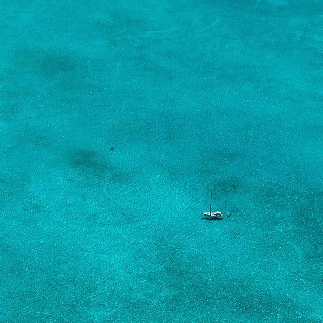 Lost in a sea of beauty. Psyched to have some vacation time and work time in the @bahamas How would you like to be aboard this little vessel!? #workvacation #liveyourbestlife #filmlife #aerialphotography #islandtime #documentaryfilm