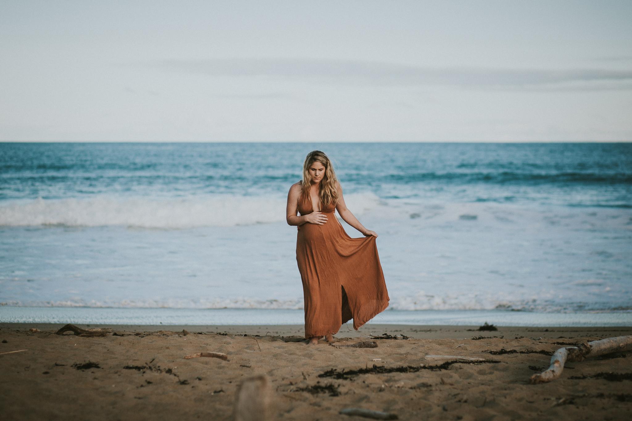 Lisa Fisher Photography - Hawkes bay Maternity shoot waipatiki beach-65.jpg