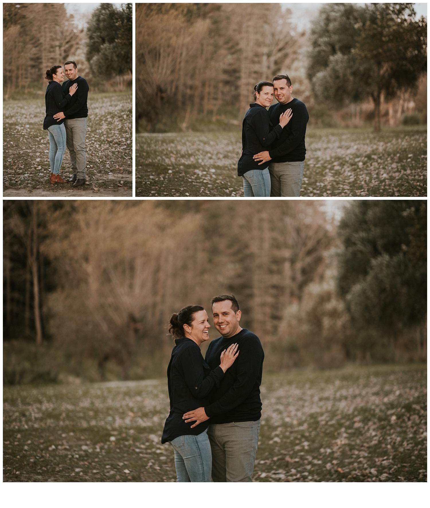 couple hugging photoshoot
