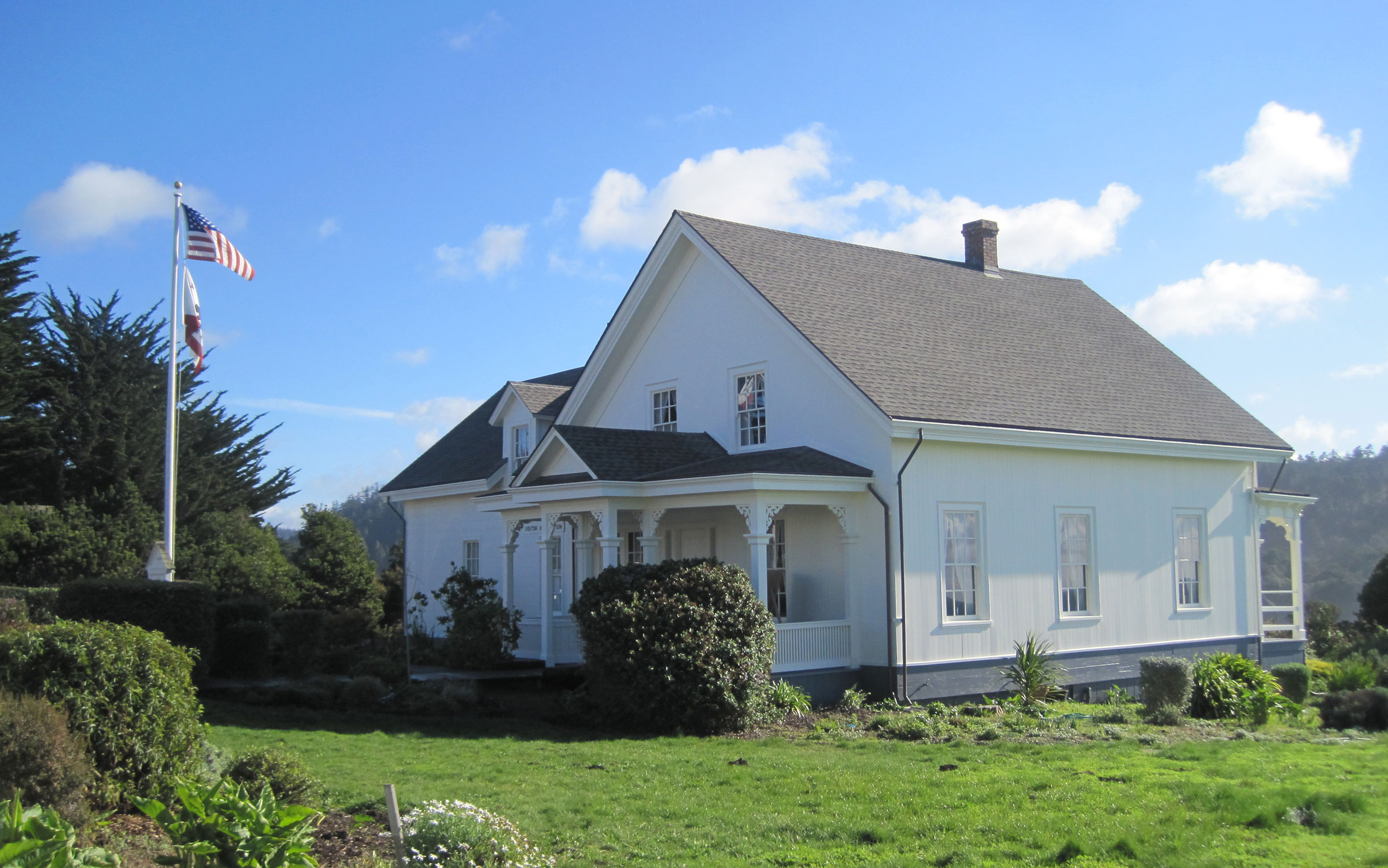 The Ford House in Mendocino shares historical and visitor information for Mendocino Village