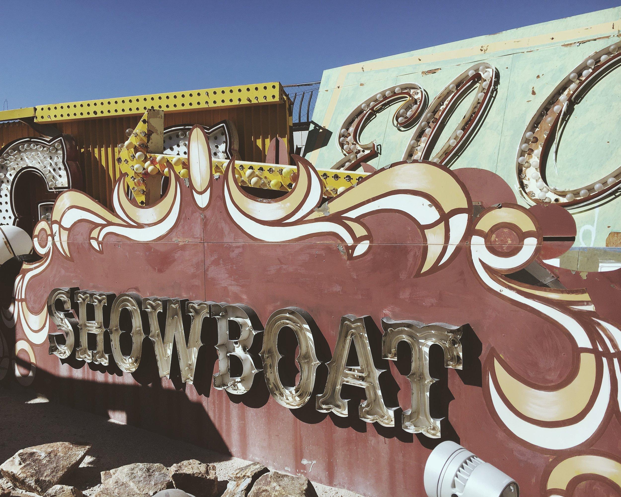 Neon_Showboat.JPG
