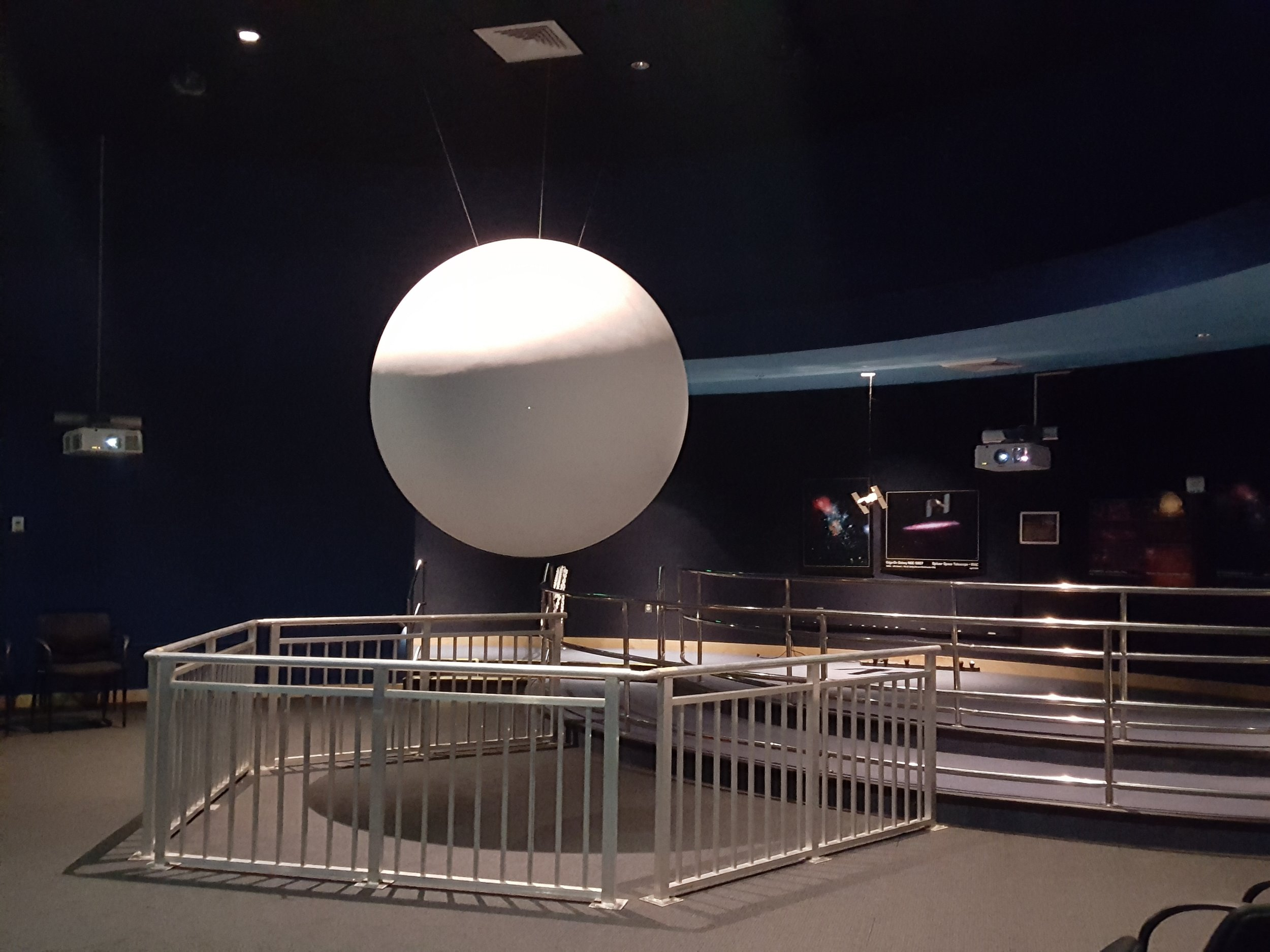 Movie on a sphere in the INFINITY Center