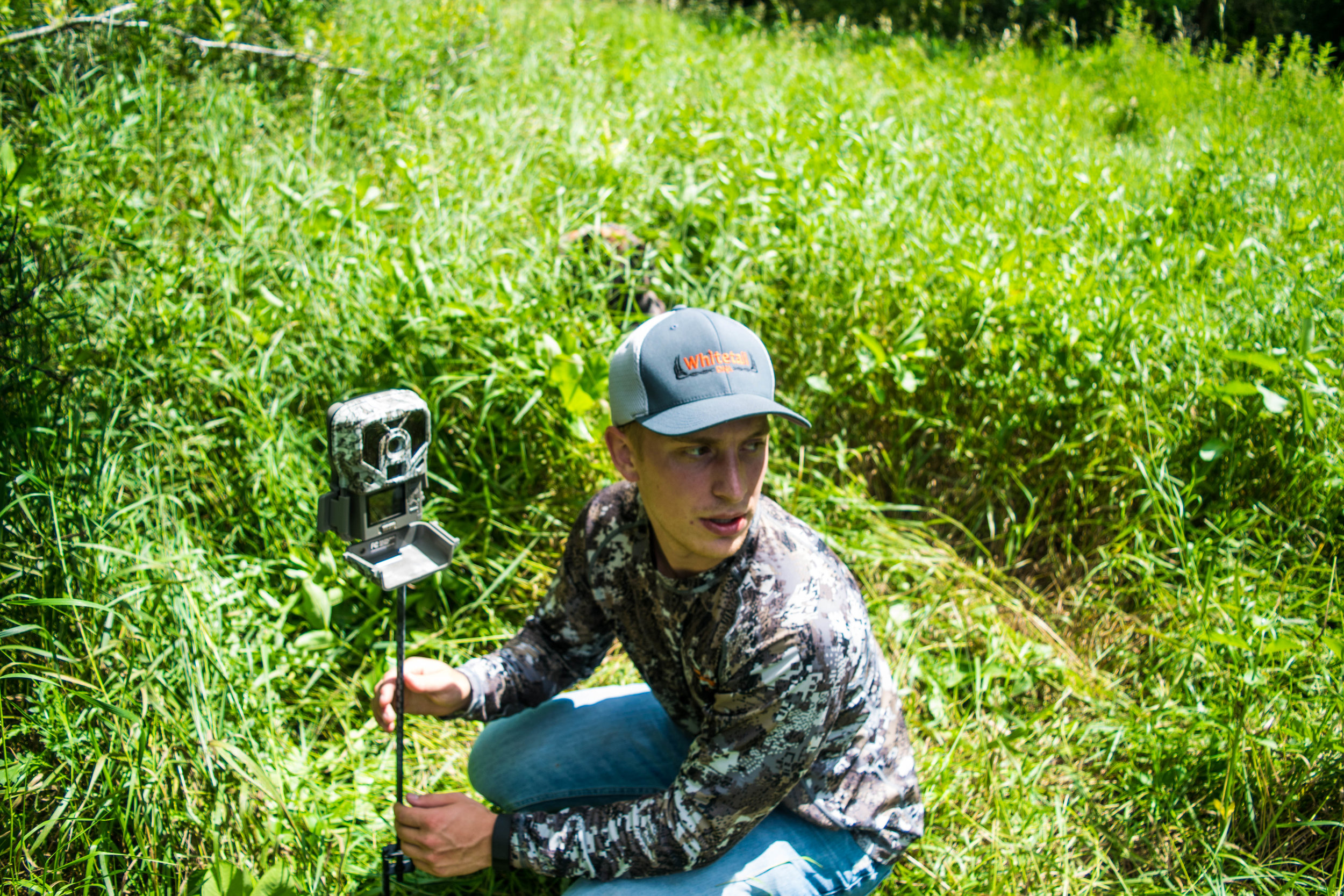 The viewing screen easily allows you to see if your trail camera is in the right position or not.