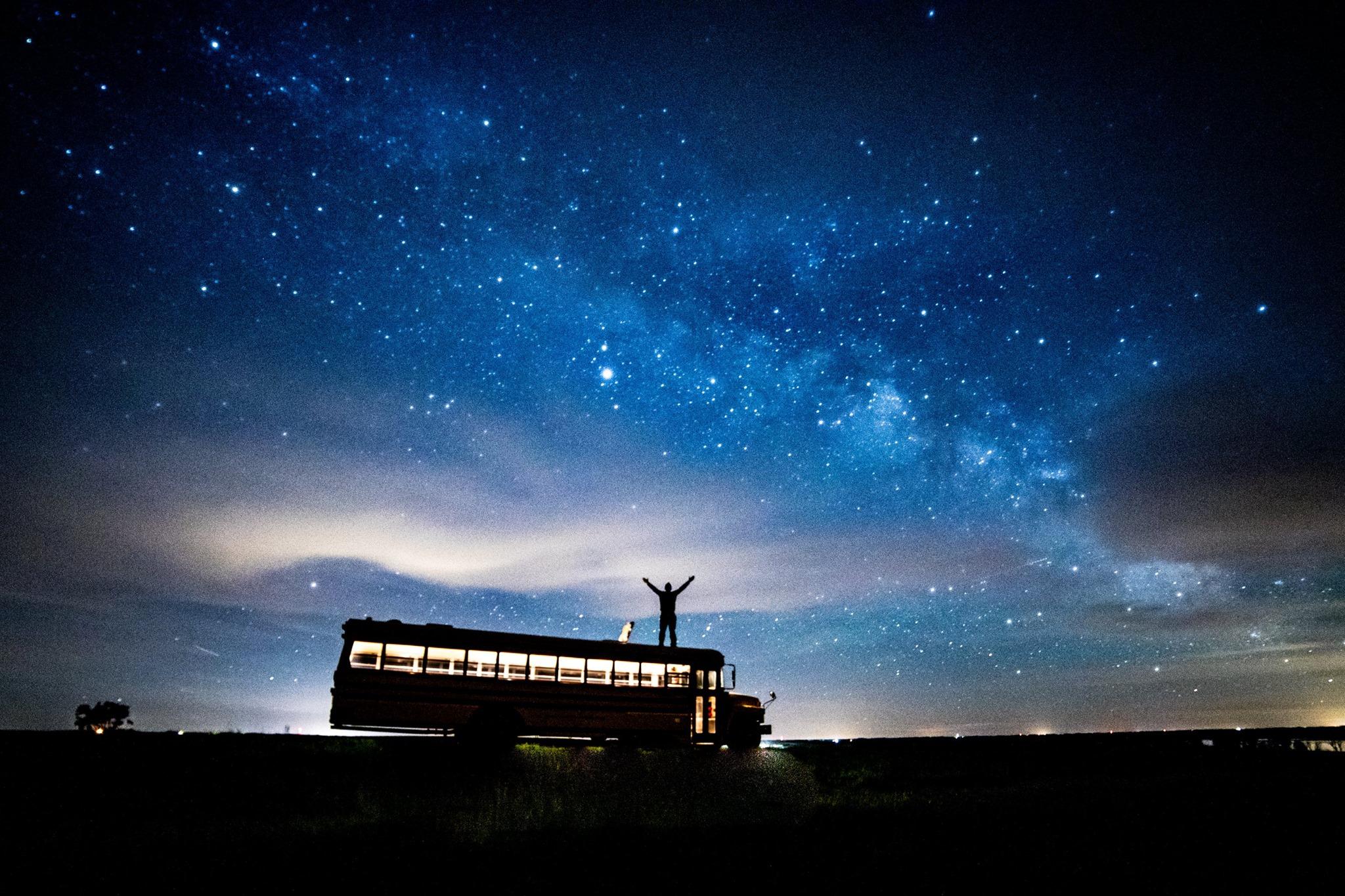 bus at night.jpg