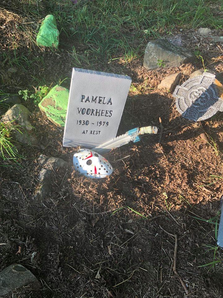 Pam's Grave.jpg