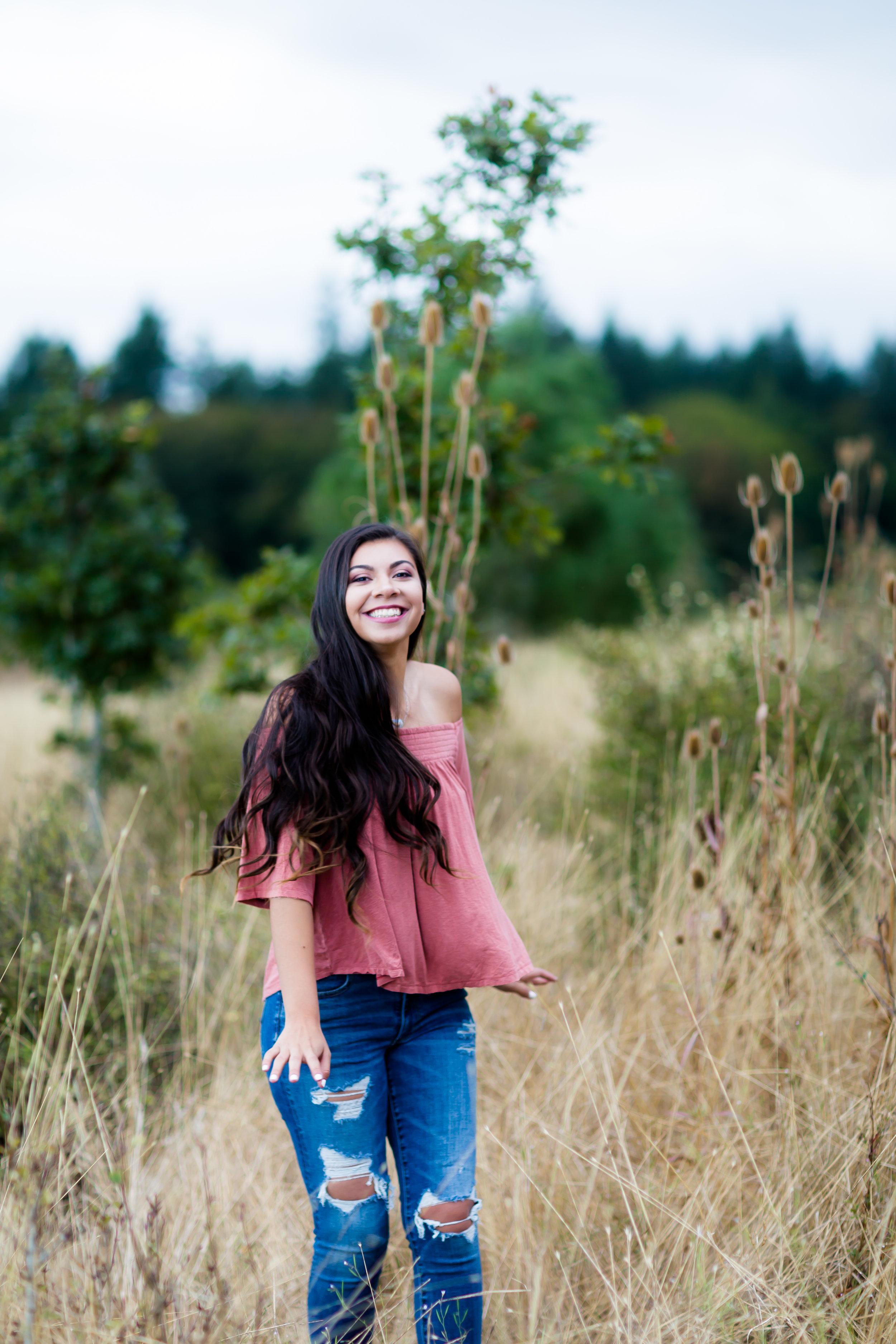 Vanessa Senior Session Newberg Oregon September 2016-20.jpg