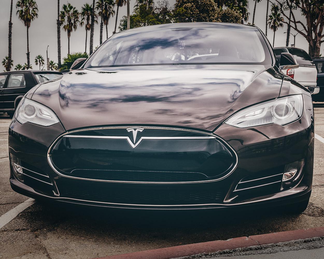 AUTO.Tesla.LongBeach.OCT2017