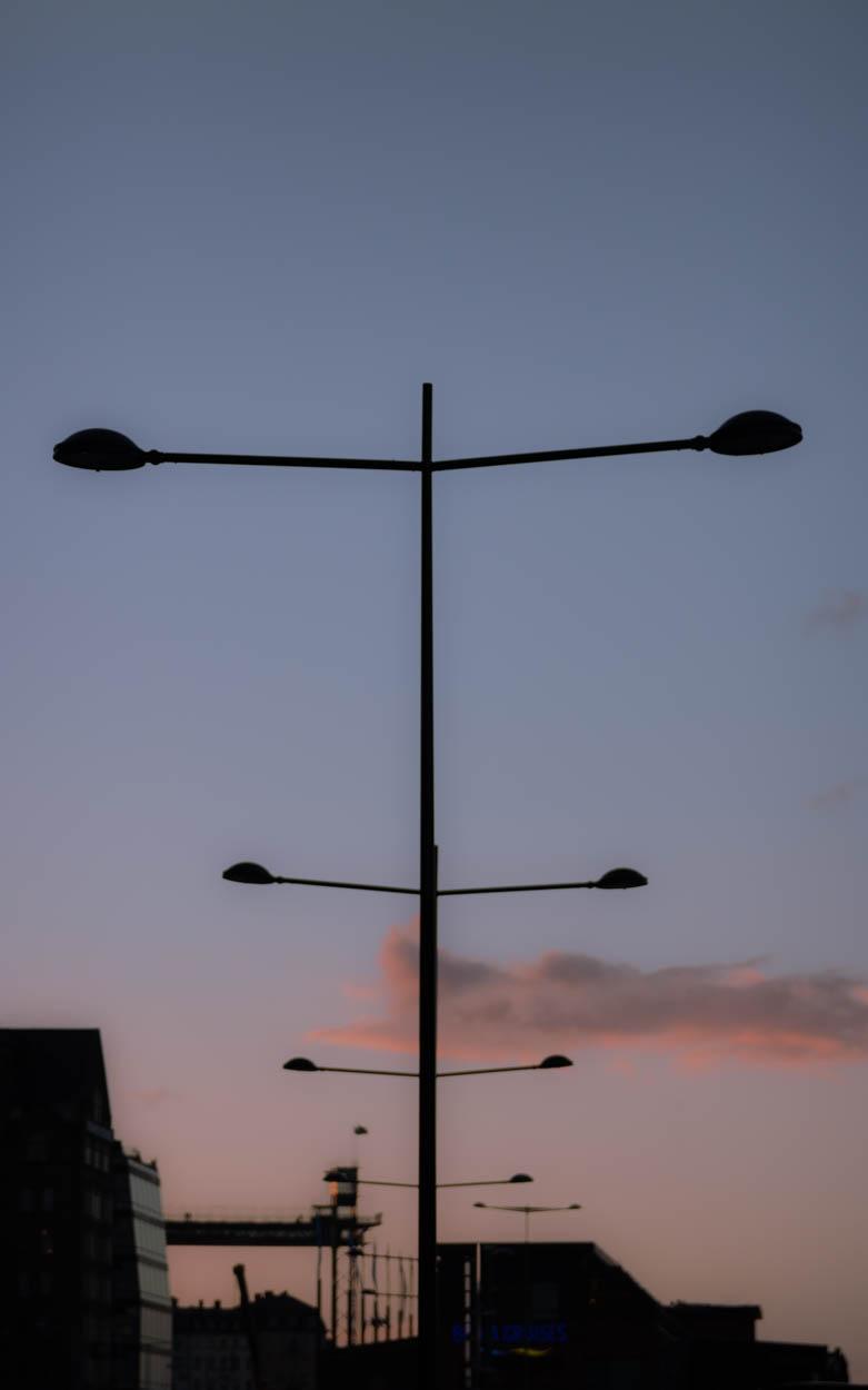 STHLM.StreetlightTwilight.jpg