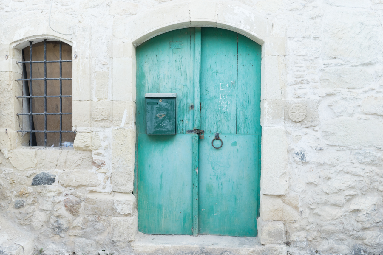 One day I will have a door this color. Greek doors are perfect.