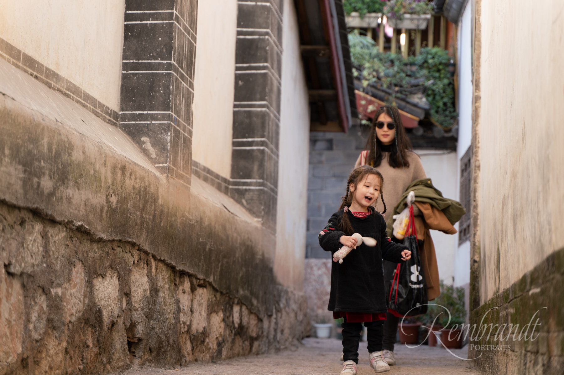 If your three year old is having fun then you are having fun. We spent some time walking the labyrinth of lanes in the Old Town of Lijiang.