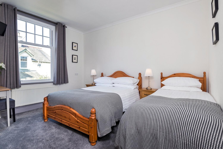 SkiddawCroft_room_2_beds.jpg