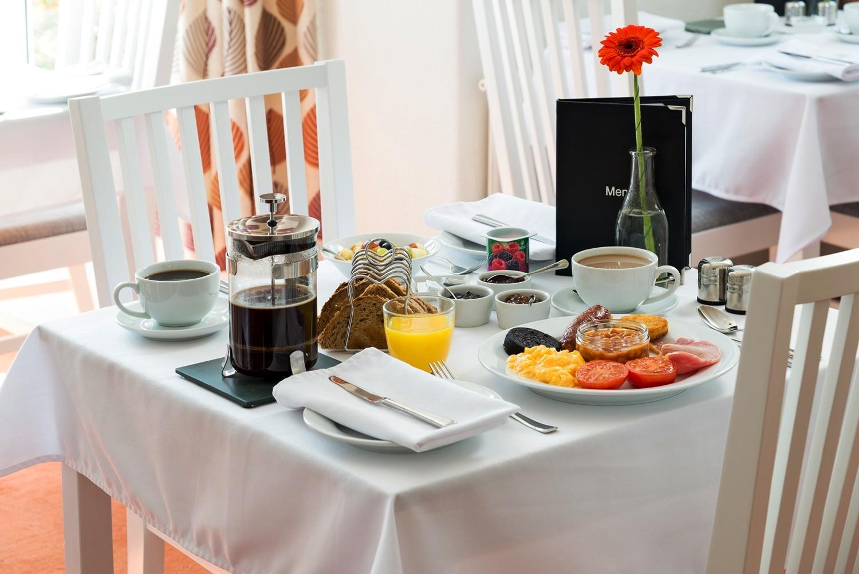 SkiddawCroft_BreakfastRoom_table.jpg